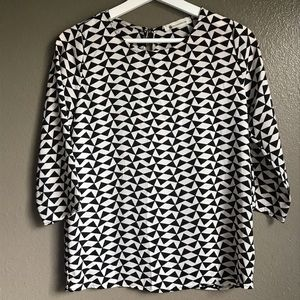 The Impeccable Pig geometric 3/4 sleeve top Blouse